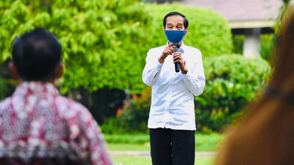 Presiden Jokowi Serahkan Bantuan Modal Kerja bagi Pelaku ...